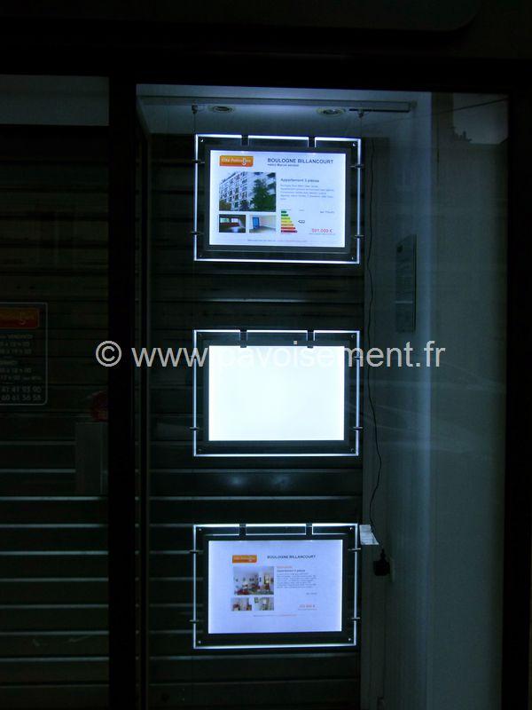 Totems dynamiques lumineux : cadres lumineux à LEDS