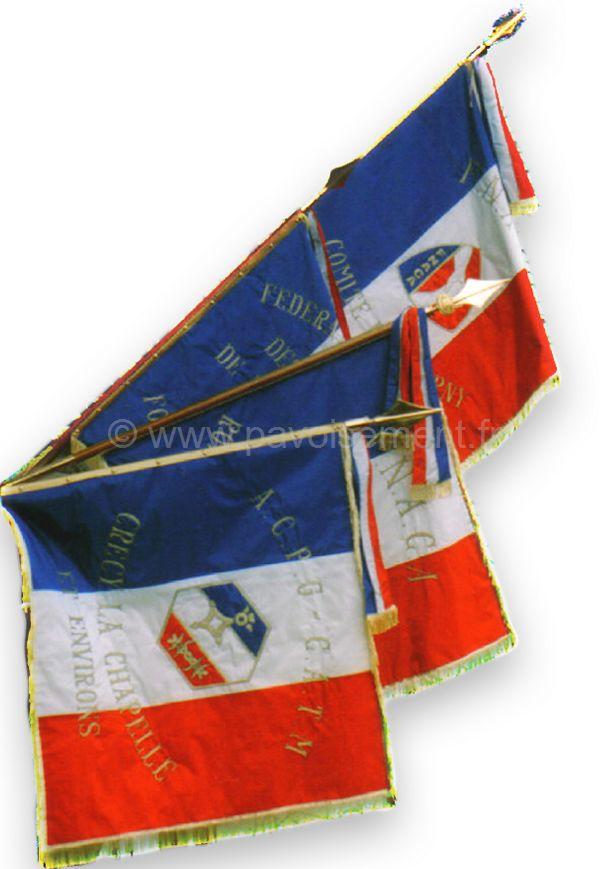 protocole : drapeaux de cérémonie et de commémoration
