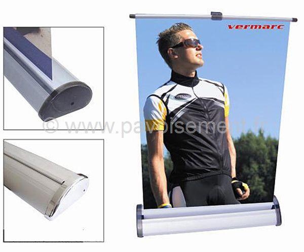 roll up - mini enrouleur ou mini roll up, vue du socle avec logement du visuel