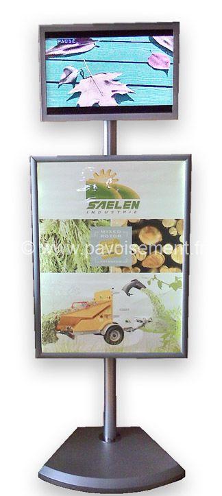 Totem dynamique : cadre clipsable à bordure aluminium surmonté d'un écran Lcd vdiéo-player monté sur pied et socle